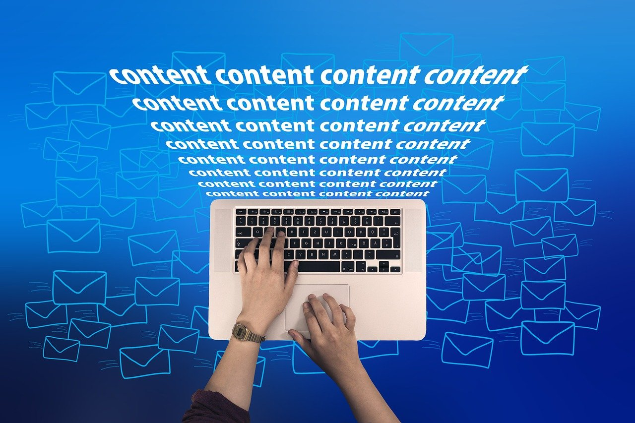 Why Content Writers Need to learn Graphic Designing